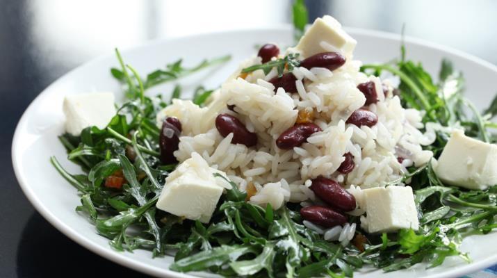 Рисовый салат с сыром