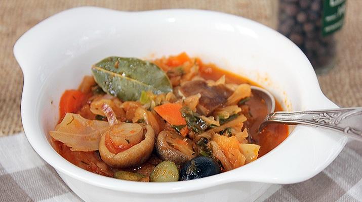 Вегетарианская солянка — рецепт на грибном бульоне