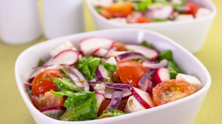 Витаминный салат для тех, кто следит за фигурой