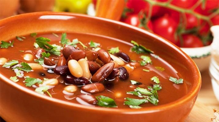 Фасолевый суп, который просто необходимо попробовать!