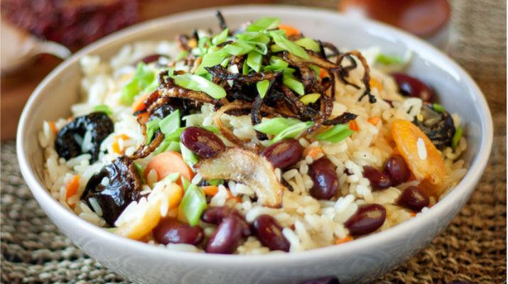 Вегетарианский плов с фасолью