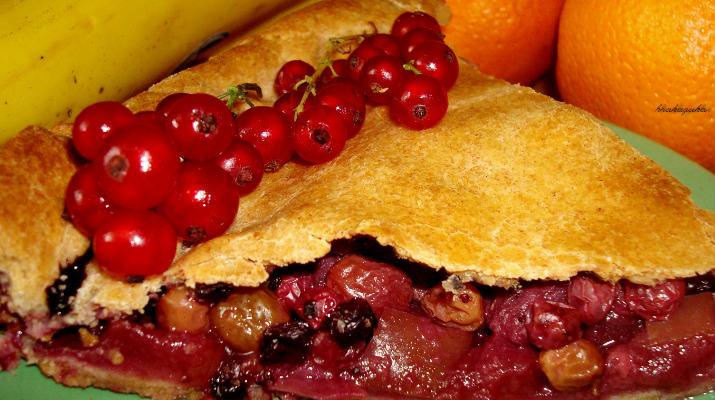 Ягодно-фруктовый постный пирог