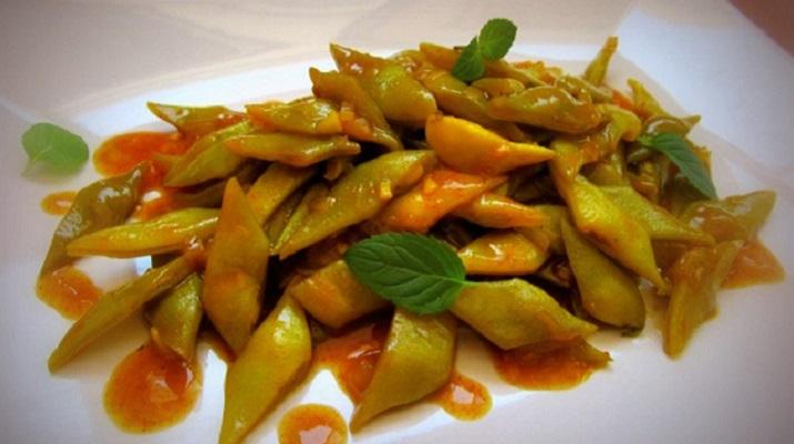 Стручковая зеленая фасоль в пряно-ореховом соусе