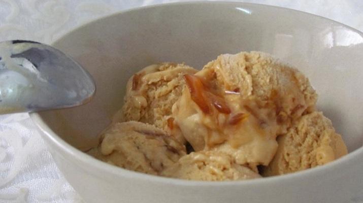 Соленое карамельное мороженое
