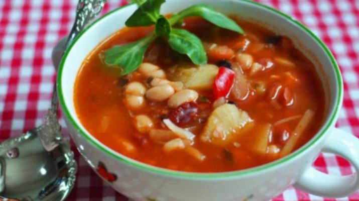 Фасолада — греческий фасолевый суп