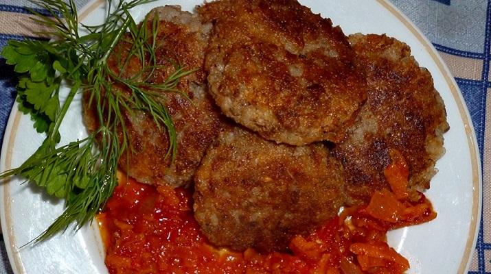 Вегетарианские гречневые котлеты