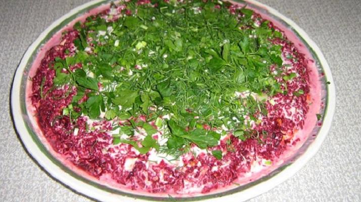 Вегетарианская селедка под шубой с морской капустой
