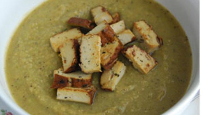Гороховый суп с копченостями (копченый тофу)