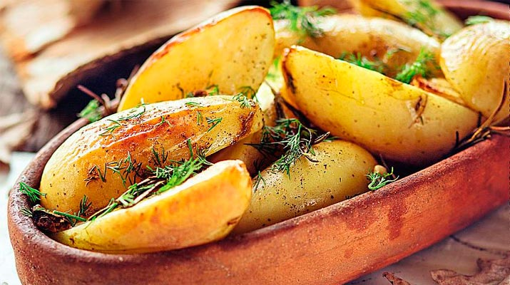 Восхитительно вкусный печеный картофель
