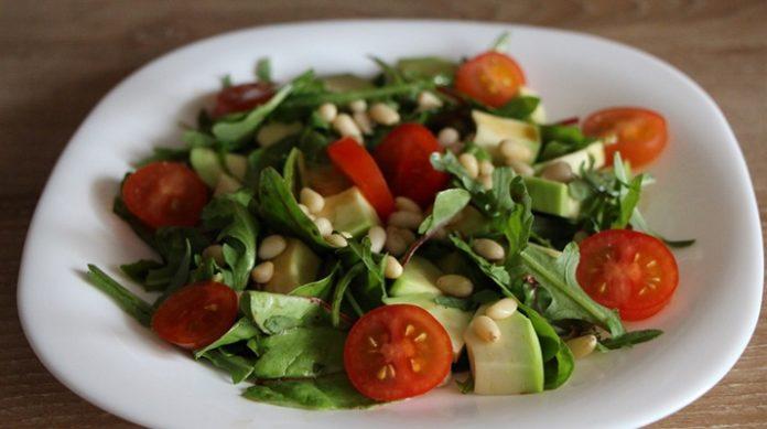 ТОП — 5 вкусных салатов без майонеза
