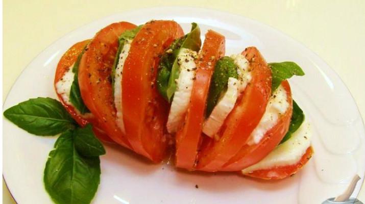 Салат-закуска «Капрезе»