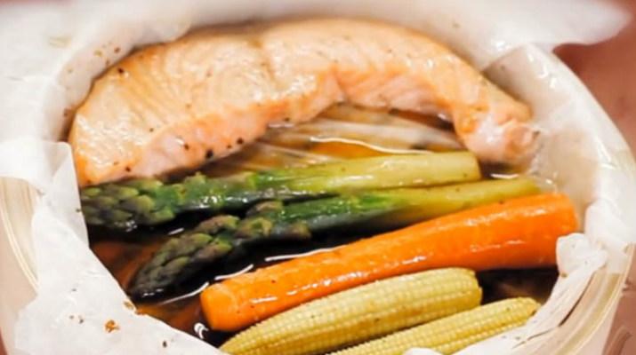 Лосось с овощами в соусе терияки (на пару)