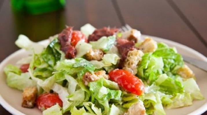 Легкие витаминные салаты: ТОП-7