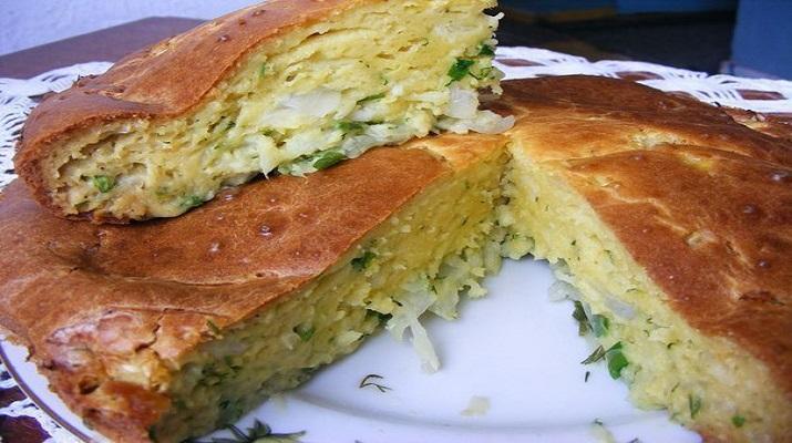 Простой и вкусный пирог с молодой капустой