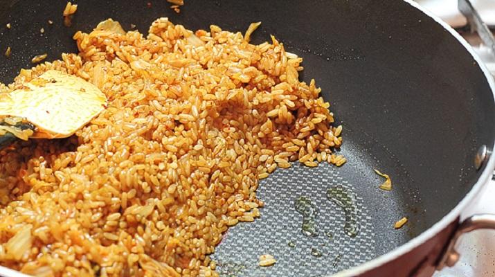 Как приготовить рассыпчатый жареный рис на гарнир