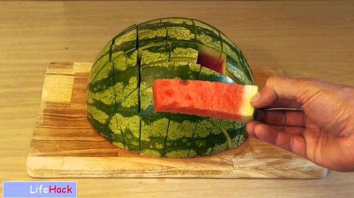Как правильно нарезать арбуз