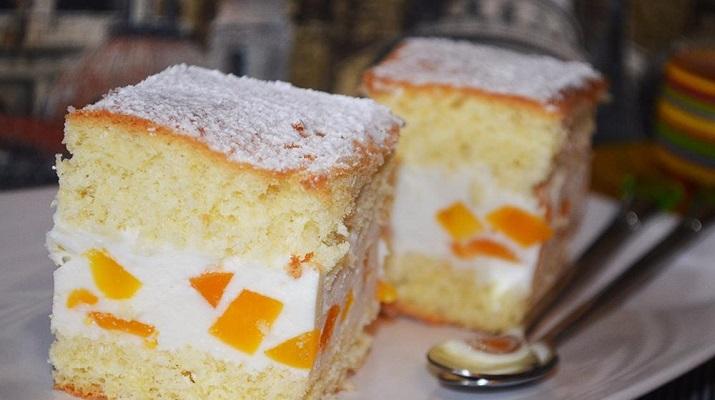 Торт с прослойкой из творога и персиков