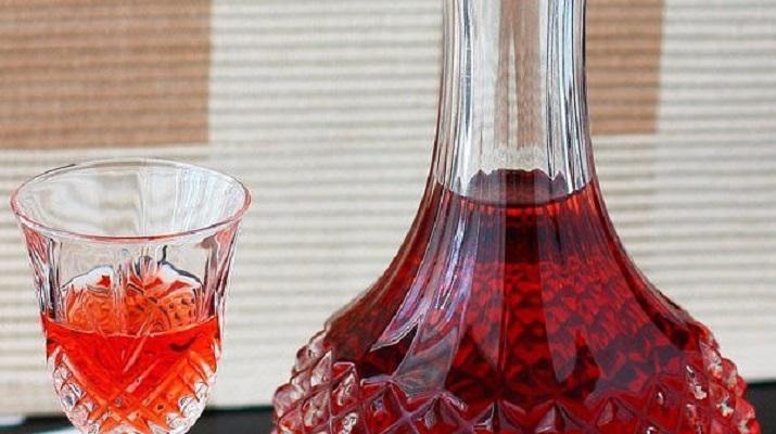 Домашнее вино из ненужного варенья