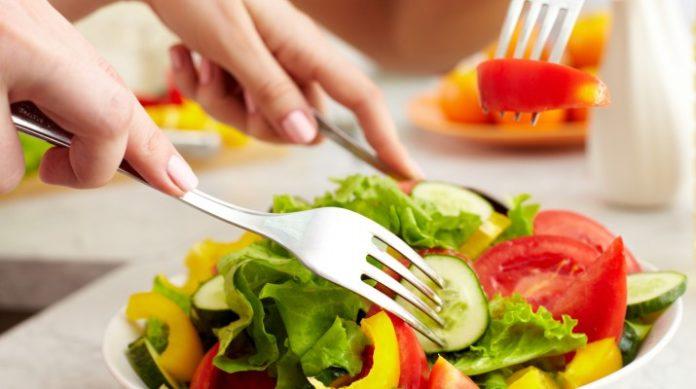 Чем же отличаются вегетарианцы от веганов?