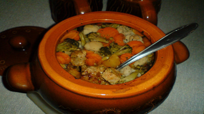 Тушеные овощи в грибном бульоне