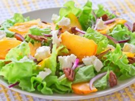 Салат из печеной цветной капусты и фундука