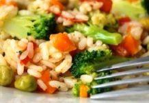 Овощная закуска в салатных листьях
